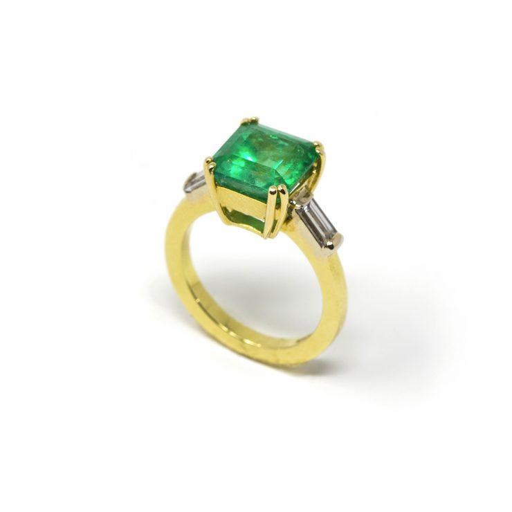 solitario smeraldo